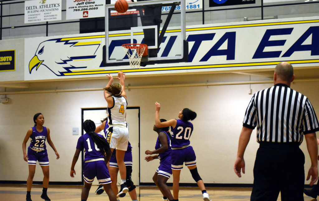 GIRLS' BASKETBALL PREVIEW: Eagles Seek to Learn from a Year Ago